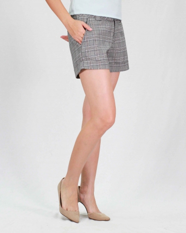 RAINE CHECKED SHORT PANTS IN MID GREY
