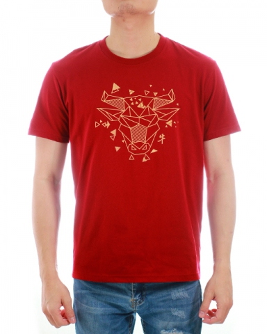 MEN GEOMETRIC BULL GRAPHIC TEE IN MAROON