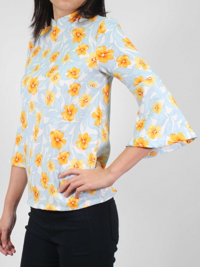 MOLLY PRINTED 3/4 SLEEVE BLOUSE IN LIGHT BLUE