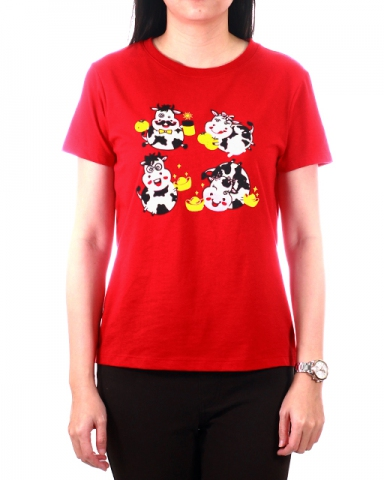 WOMEN COW FAMILY GRAPHIC TEE IN RED
