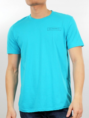 MEN SMALL STEP EVERY DAY GRAPHIC TEE IN MID BLUE