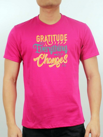 MEN EVERYTHING CHANGES GRAPHIC TEE IN FUCHSIA