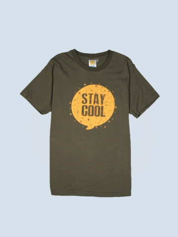 BOYS STAY COOL GRAPHIC TEE IN ARMY GREEN