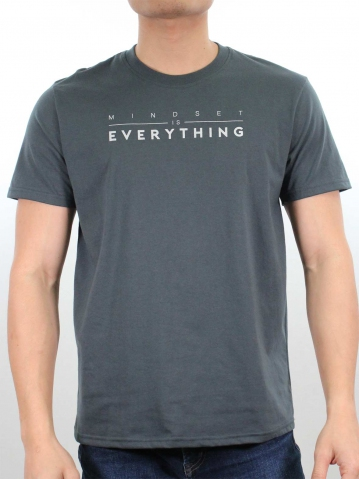 MEN MINDSET IS EVERYTHING GRAPHIC TEE IN DARK GREY