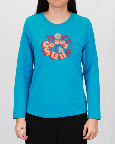 WOMEN HERE COMES THE SUN GRAPHIC TEE IN TURQUOISE