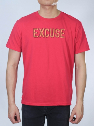 MEN EXCUSE GRAPHIC TEE IN RASBERRY