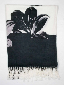 CHLOE FLOWER PRINT SCARF IN WHITE