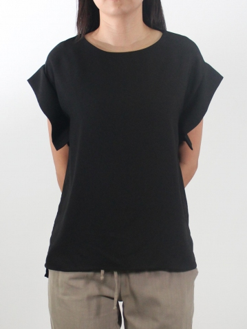 LYNN ROUND NECK FRENCH SLEEVE BLOUSE IN BLACK