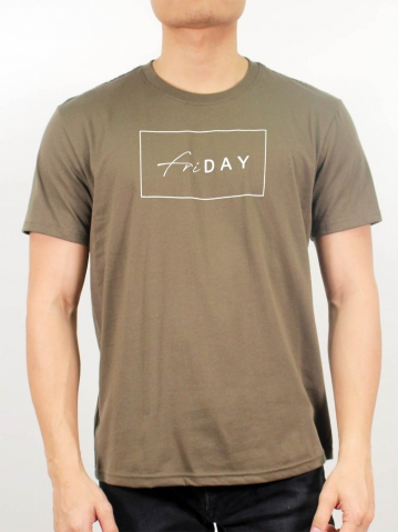 MEN FRIDAY GRAPHIC TEE IN ARMY GREEN