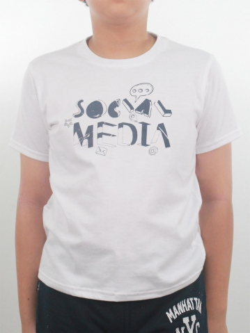BOYS SOCIAL MEDIA GRAPHIC TEE IN WHITE