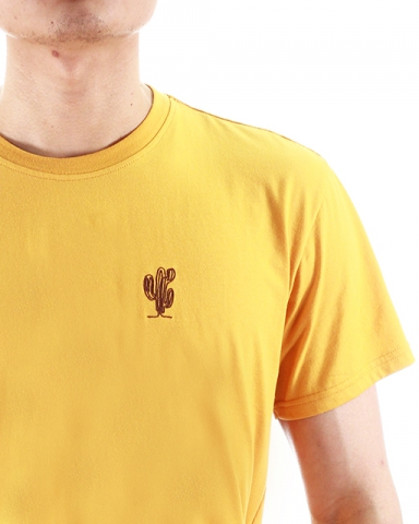 MEN CACTUS EMBROIDERY LOGO TEE IN MUSTARD