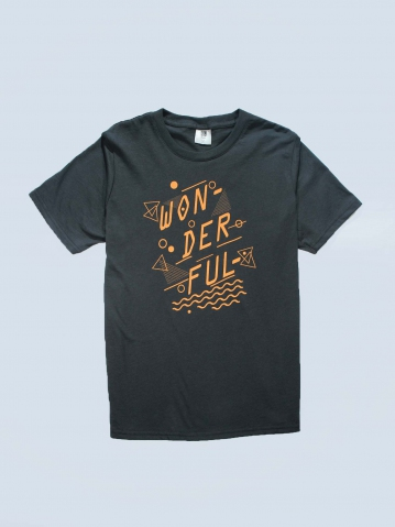 BOYS WONDERFUL GRAPHIC TEE IN DARK GREY