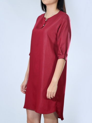 NEOL ROUND NECK 3/4 SLEEVE DRESS IN DARK RED