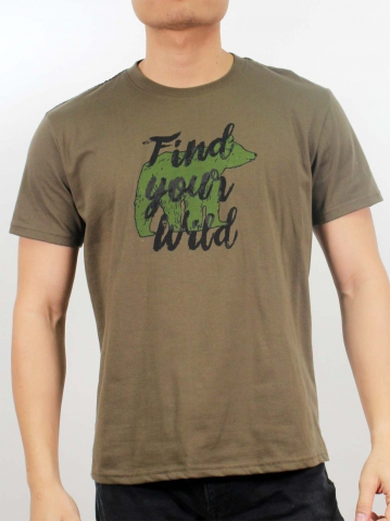 MEN FIND YOUR WILD GRAPHIC TEE IN ARMY GREEN