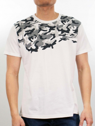 MIKE CAMO PRINT SHORT SLEEVE TOP IN OFF WHITE