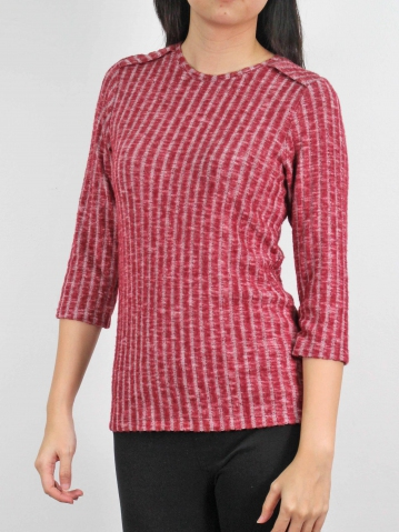 MOLLY ROUND NECK 3/4 SLEEVE TOP IN MAROON