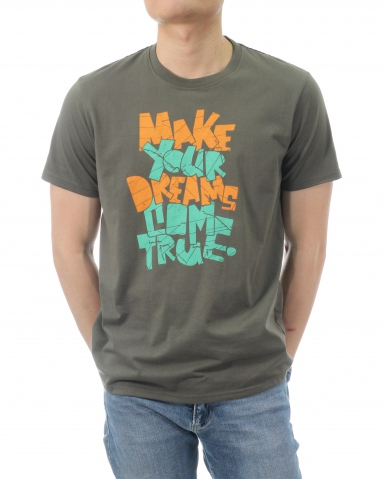 MEN DREAMS COME TRUE GRAPHIC TEE IN DARK ARMY