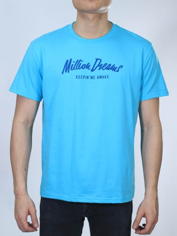 MEN MILLION DREAMS GRAPHIC TEE IN MID BLUE