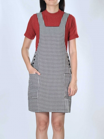 NEOL PINAFORE DRESS IN BLACK