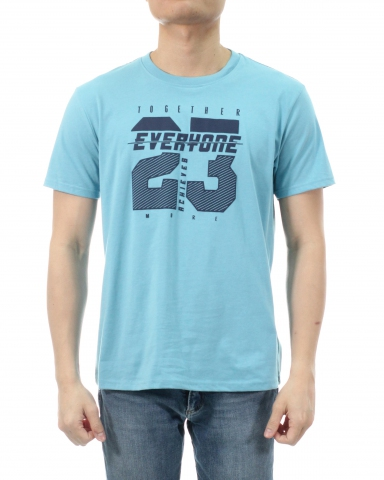 MEN EVERYONE 23 GRAPHIC TEE IN LIGHT BLUE