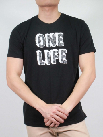 MEN ONE LIFE GRAPHIC TEE IN BLACK