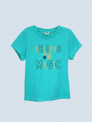 GIRLS BELIEVE IN MAGIC GRAPHIC TEE IN JADE
