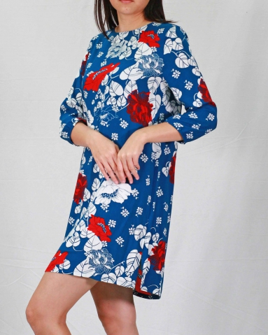 SARAH ROUND NECK 3/4 SLEEVE DRESS IN DARK BLUE