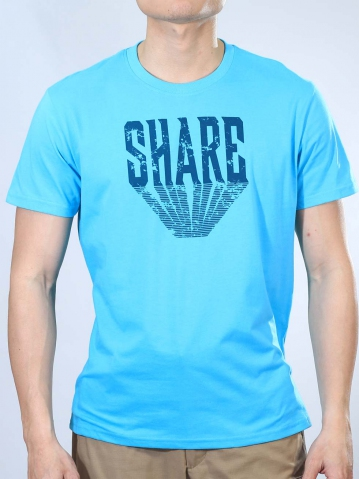 MEN SHARE GRAPHIC TEE IN MID BLUE
