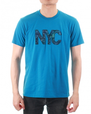 MEN NYC WORDS APPLIQUE GRAPHIC TEE IN DARK BLUE