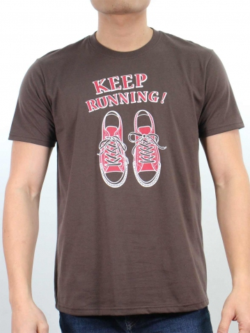 MEN KEEP RUNNING GRAPHIC TEE IN BROWN
