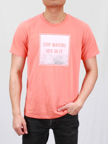MEN STOP WAITING GRAPHIC TEE IN MID ORANGE
