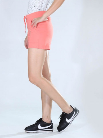 NEOL KNITTED SHORT PANTS IN CORAL