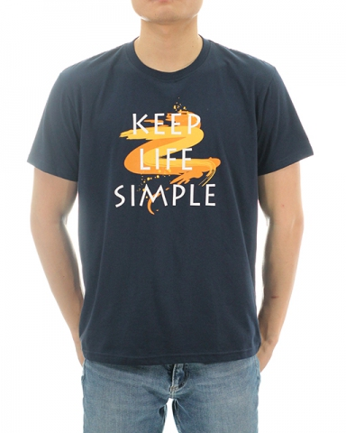 MEN KEEP LIFE SIMPLE GRAPHIC TEE IN DARK NAVY