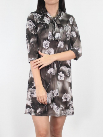 JANE PRINTED BOW COLLARED 3/4 SLEEVE DRESS IN BLACK