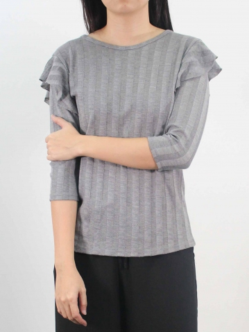 LYNN ROUND NECK RUFFLE 3/4 SLEEVE TOP IN MID GREY