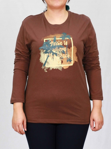 WOMEN PLUS SIZE BEACH GRAPHIC TEE IN BROWN