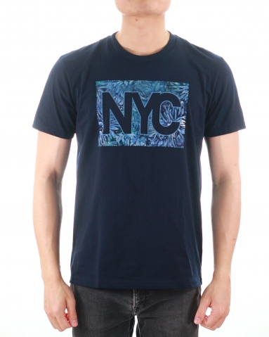MEN NYC PATCH APPLIQUE GRAPHIC TEE IN DARK NAVY