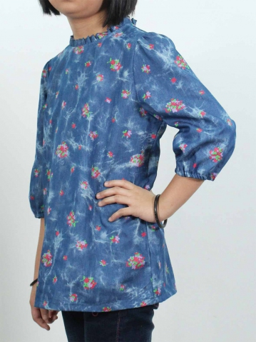 KITTY PRINTED 3/4 SLEEVE BLOUSE IN MID BLUE