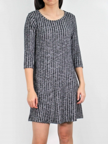 MOLLY ROUND NECK 3/4 SLEEVE DRESS IN BLACK