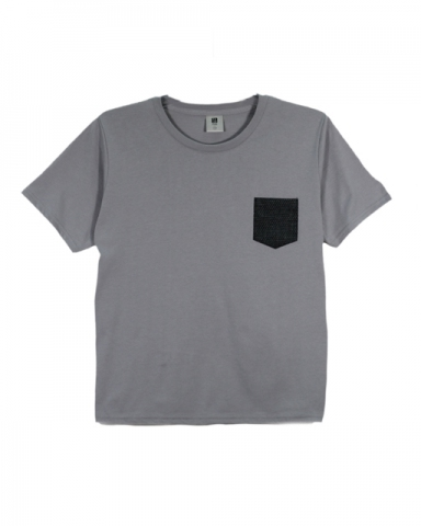 BOYS PATCH POCKET GRAPHIC TEE IN MID GREY