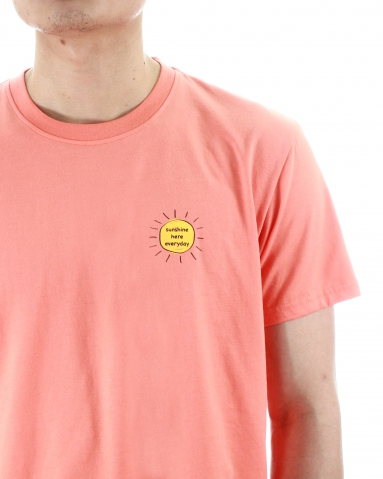 MEN SUNSHINE HERE EVERYDAY GRAPHIC TEE IN PEACH